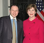 The First Lady Laura Bush meets the Secretary General of Italy-USA Foundation, Corrado Maria Daclon.