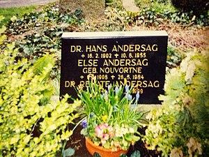 Hans Andersag - Gravestone of Hans Andersag, his wife Else and youngest daughter Renate