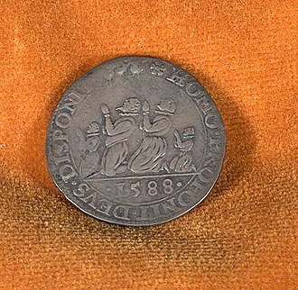 """He blew with His winds, and they were scattered - Armada Medal, a Dutch jeton struck in Dort in 1588, showing people praying to God for divine deliverance. The text reads: Homo proponit et Deus disponit, or """"Man proposes and God disposes"""""""