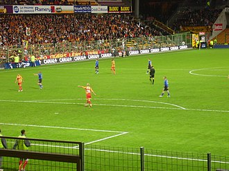 Halmstads BK - Halmstads BK facing RC Lens on Stade Félix-Bollaert in UEFA Cup 2005-06, Le 12 Lensois and Les Tigers in the background.