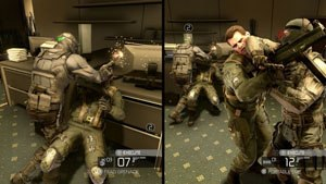 Tom Clancy's Splinter Cell: Conviction - Split screen mode of the co-op campaign. Archer (left) and Kestrel take armed guards by surprise.
