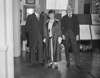 Benton Fletcher - Lord Allenby opened an exhibition of drawings of Royal Homes near London by Major Benton Fletcher. The picture shows Lord Allenby with Susan, Duchess of Somerset and Major Benton Fletcher. 3 December 1930