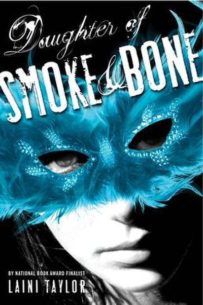 Picture of a book: Daughter Of Smoke And Bone
