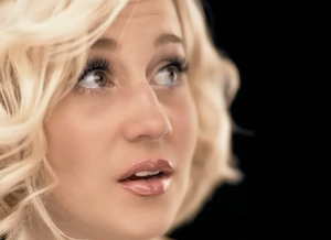 I Wonder (Kellie Pickler song) - Kellie in a scene from the music video.