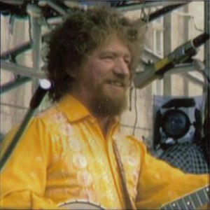 Luke Kelly - Luke Kelly on stage in 1980