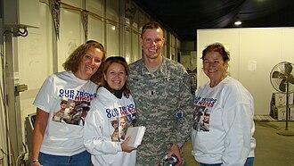 Melanie Morgan - Move America Forward distributing Christmas cards to redeploying troops in Kuwait, December, 2007