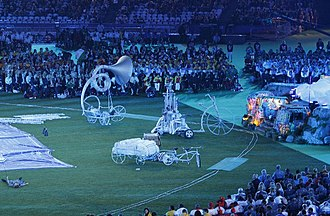 2012 Summer Paralympics closing ceremony - The Dreamers' whimsical musical vehicles
