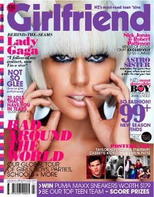 Girlfriend (magazine) - Image: Girlfriend (magazine) cover