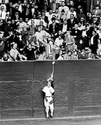 Al Smith (outfielder) - Gora's famous photograph of Smith