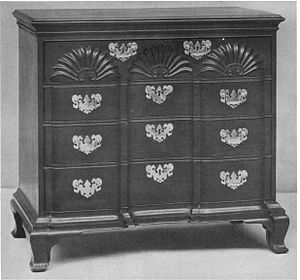 Goddard and Townsend - Goddard-Townsend set of drawers with shells