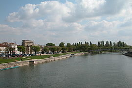 270px-Arch_by_Charente_River.JPG