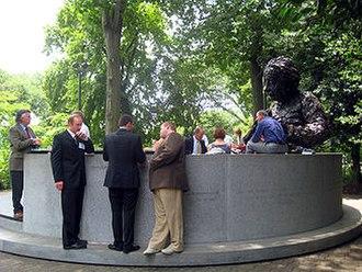 Albert Einstein Memorial - The Einstein Memorial seen from the side.