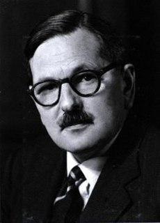 Hugh B. Cott English zoologist and camouflage expert