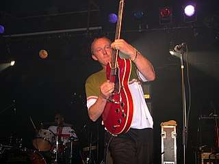 Steve Cradock English guitarist