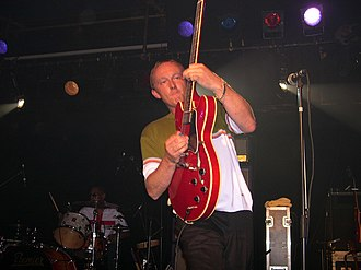 Steve Cradock - Cradock performing live with Ocean Colour Scene