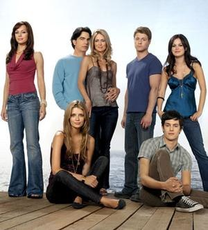 The O.C. (season 3) - Season 3 cast; from left to right: Julie, Marissa, Sandy, Kirsten, Ryan, Seth and Summer.