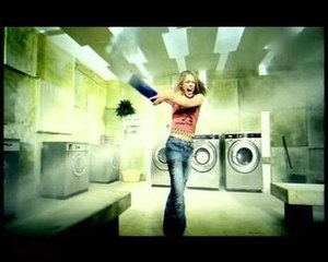 Day & Night (song) - Piper in the final scenes of the video, throwing washing powder around a laundrette.
