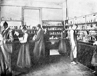 Florida State University - Chemistry lab in 1900, at what was then known as the West Florida Seminary
