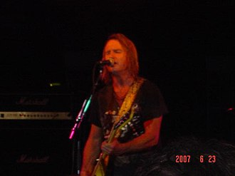 Charlie Huhn - Singing for Foghat at the 2007 Heritage Fest in Downers Grove, Illinois