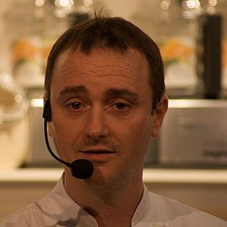 Jason Atherton - Jason Atherton at a cooking show.