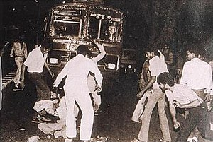 1984 anti-Sikh riots - Sikh man surrounded and beaten by a mob