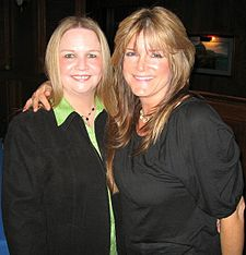 Brady Bunch Cast Members Geri Reischl And Susan Olsen Right 2007