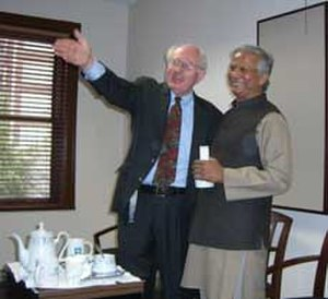 Ron Grzywinski - Ron Grzywinski and Muhammad Yunus in Chicago in late 2006.