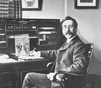 Arthur Mee - Arthur Mee with The Children's Encyclopædia.