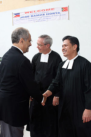 De La Salle–College of Saint Benilde - East Timor President, José Ramos-Horta (left) is greeted by Br. Victor Franco FSC (center) and Br. Armin Luistro FSC (right)