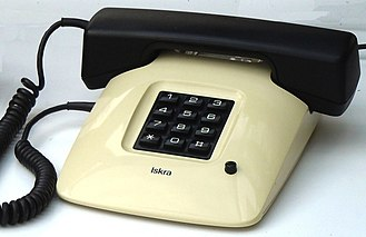 Push-button telephone - Iskra ETA85 pushbutton telephone with pulse-dialing keypad (Yugoslavia, 1988).
