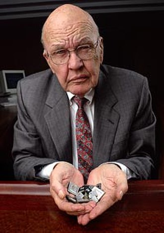 Kyoto Prize in Advanced Technology - Image: Jack Kilby