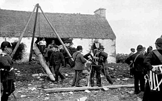 Royal Irish Constabulary - RIC and Hussars at an eviction
