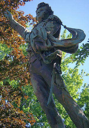 Perry Square - Detailed image of Perry statue