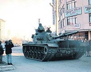 1997 Turkish military memorandum - Tanks moving on the streets of Sincan
