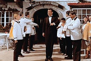 The White Horse Inn (1960 film) - Peter Alexander at the entrance to the Inn