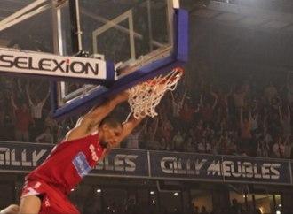 Justin Hamilton (basketball, born 1980) - Image: Game in Belgium