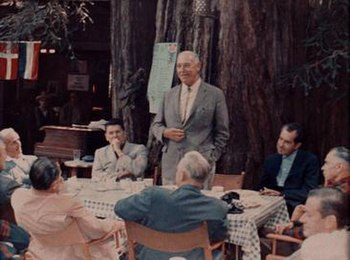 Ronald Reagan e Richard Nixon na Bohemian Grove