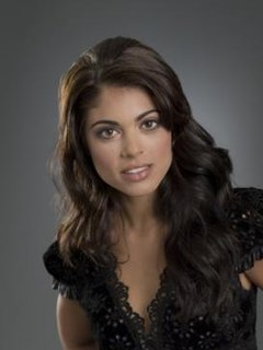 Lindsay Hartley as Theresa Crane.jpg