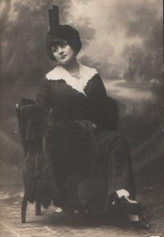Mese mariano - Italian soprano, Livia Berlendi, who created the role of Carmela in the 1910 premiere of Mese mariano