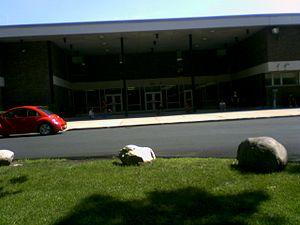 Northern Highlands Regional High School - Image: Northern Highlands Regional High School entrance