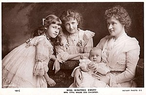 Photograph of Winifred Emery with her children