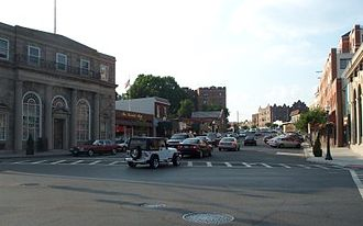 Mamaroneck (village), New York - Intersection of Mamaroneck Avenue and the Boston Post Road