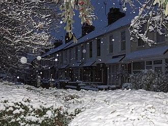 Queens Park, Aylesbury - Image: Queens Park Snow