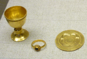 Robert (archbishop of Trier) - Robert's chalice, ring and paten on display in the cathedral of Trier