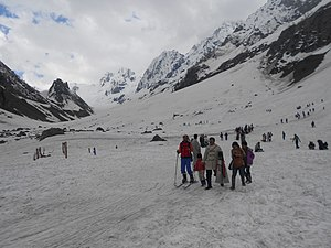 Bajrangi Bhaijaan - Climax scene was shot at Thajiwas Glacier in Sonamarg, Jammu and Kashmir.