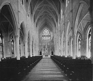 Cathedral of Saint John the Baptist (Charleston, South Carolina) - Cathedral interior in 1914