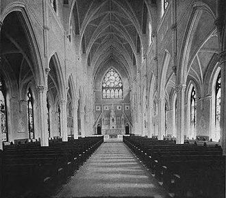 Cathedral of Saint John the Baptist (Charleston, South Carolina) - Cathedral interior in 1914
