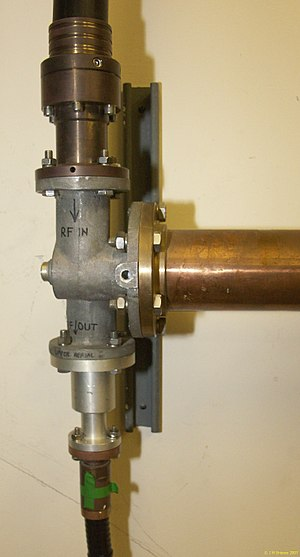 EIA RF Connectors - Image: EIA flange connectors on diplexer