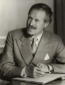 Robert Mortimer Wheeler by Howard Coster.jpg