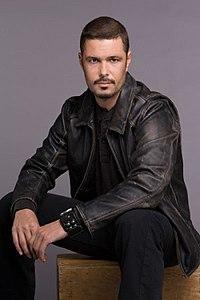Tony Almeida - Wikipedia